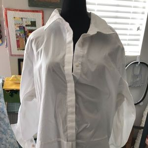 Avenue white collared top size 18/20